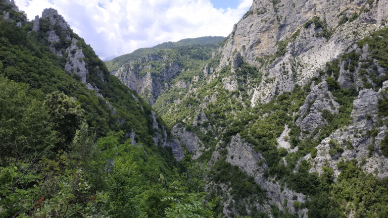 Enipeas Half-day Hiking Tour